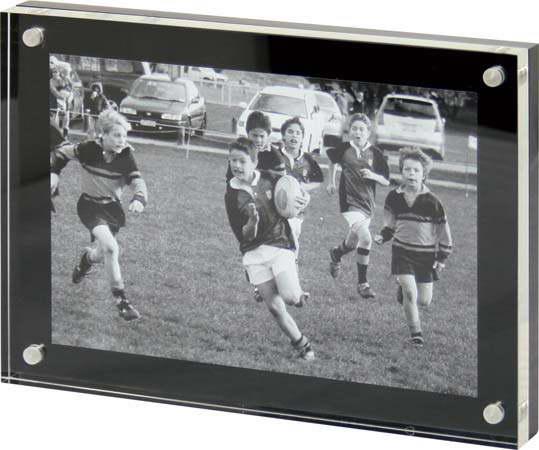 G926 – Acrylic Photo Frame