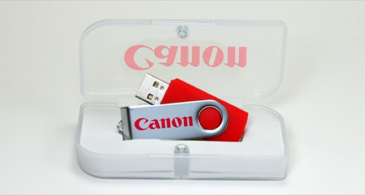 Magnetic USB Box